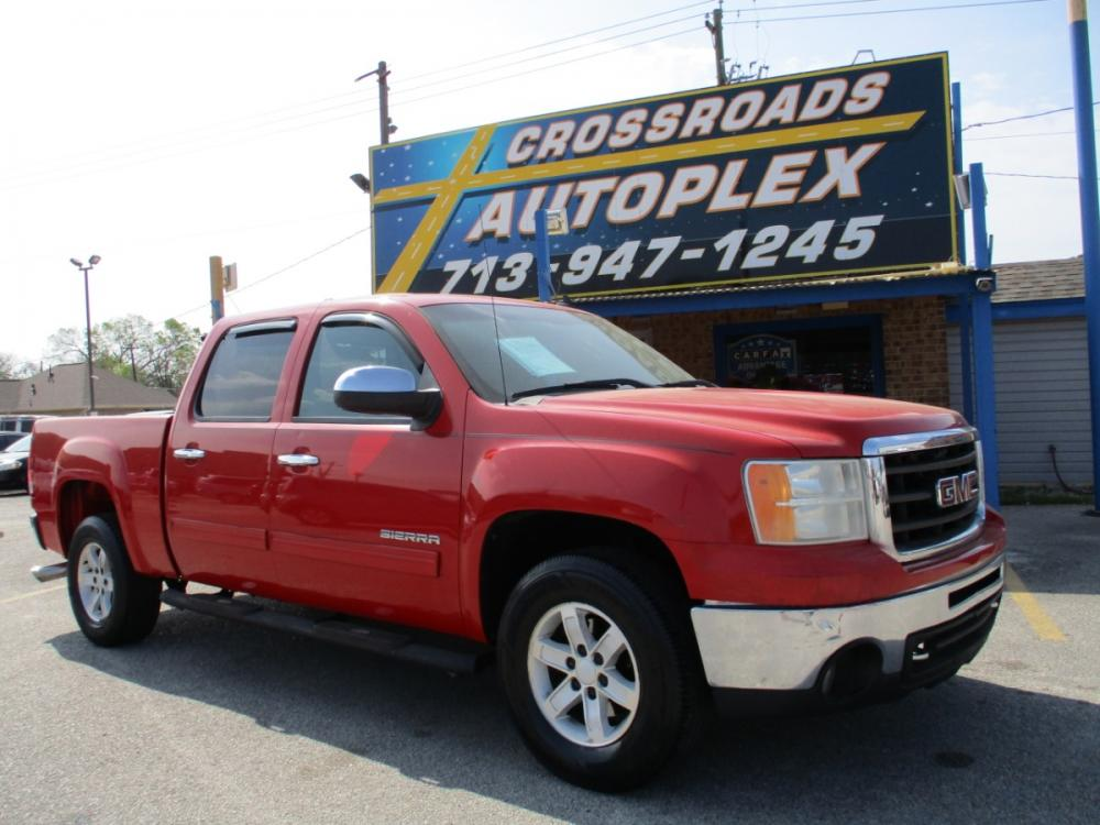 2010 RED GMC SIERRA 1500 SLE Crew Cab 2WD (3GTRCVE0XAG) with an 5.3L V8 OHV 16V FFV engine, 6-SPEED AUTOMATIC transmission, located at 310 Spencer Hwy, South Houston, TX, 77587, (713) 947-1245, 29.664383, -95.228897 - Photo #0