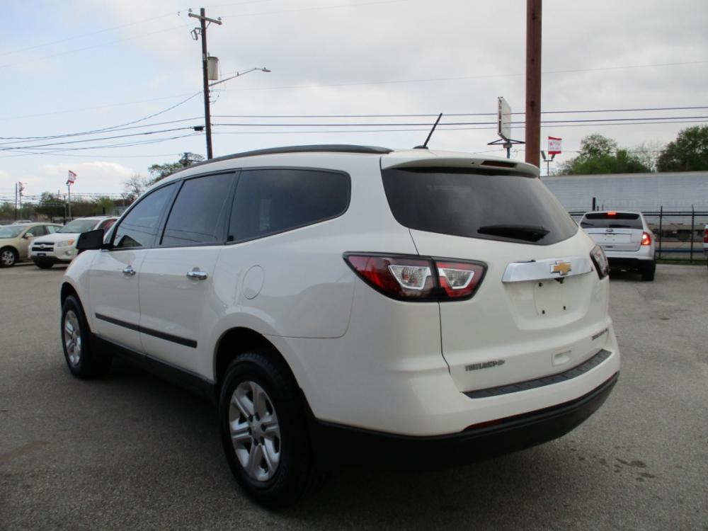 2014 WHITE CHEVROLET TRAVERSE LS FWD w/PDC (1GNKRFEDXEJ) with an 3.6L V6 DOHC 24V engine, 6-SPEED AUTOMATIC transmission, located at 310 Spencer Hwy, South Houston, TX, 77587, (713) 947-1245, 29.664383, -95.228897 - Photo #4
