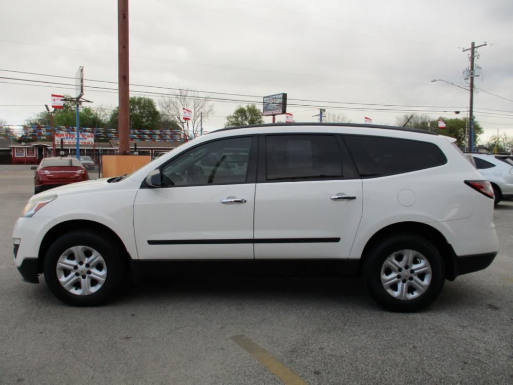 2014 WHITE CHEVROLET TRAVERSE LS FWD w/PDC (1GNKRFEDXEJ) with an 3.6L V6 DOHC 24V engine, 6-SPEED AUTOMATIC transmission, located at 310 Spencer Hwy, South Houston, TX, 77587, (713) 947-1245, 29.664383, -95.228897 - Photo #5