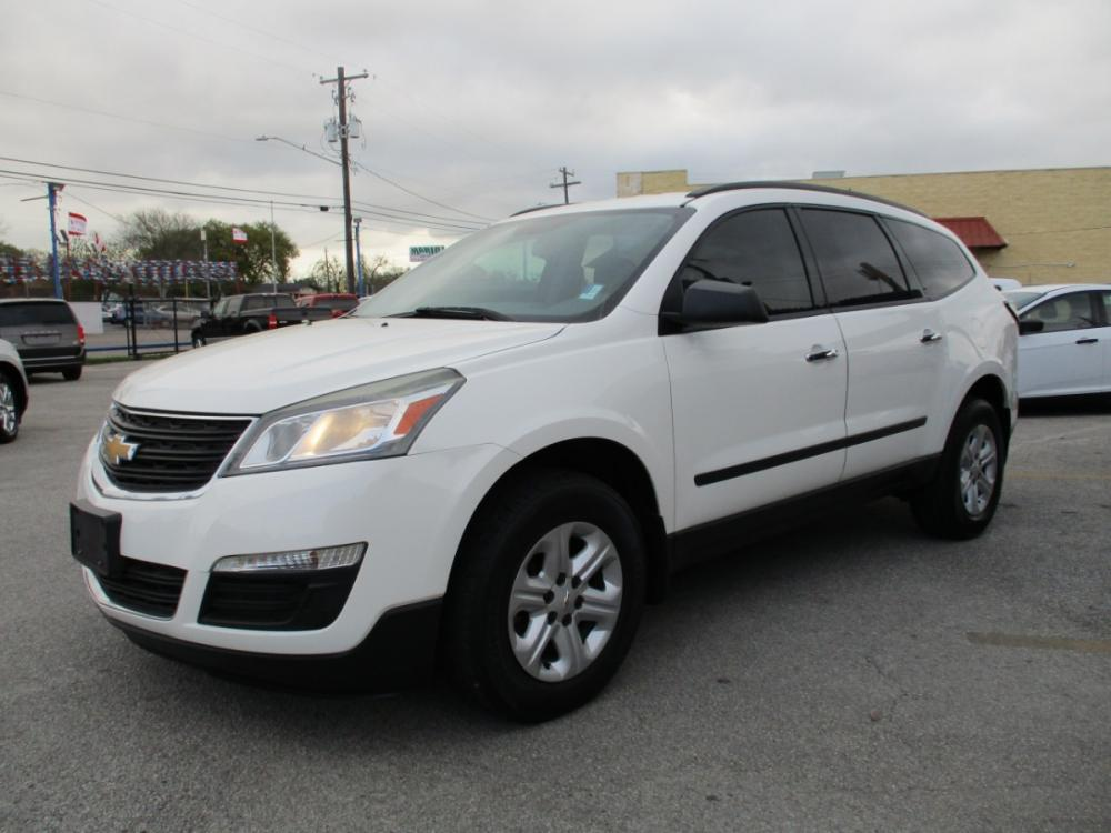 2014 WHITE CHEVROLET TRAVERSE LS FWD w/PDC (1GNKRFEDXEJ) with an 3.6L V6 DOHC 24V engine, 6-SPEED AUTOMATIC transmission, located at 310 Spencer Hwy, South Houston, TX, 77587, (713) 947-1245, 29.664383, -95.228897 - Photo #6