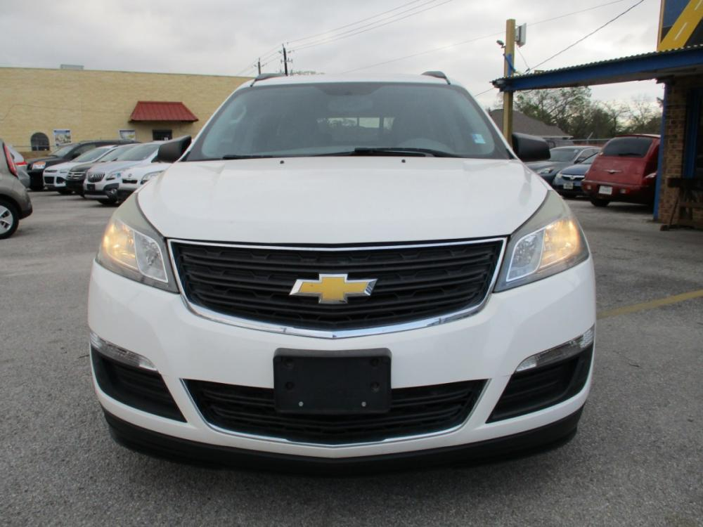 2014 WHITE CHEVROLET TRAVERSE LS FWD w/PDC (1GNKRFEDXEJ) with an 3.6L V6 DOHC 24V engine, 6-SPEED AUTOMATIC transmission, located at 310 Spencer Hwy, South Houston, TX, 77587, (713) 947-1245, 29.664383, -95.228897 - Photo #7